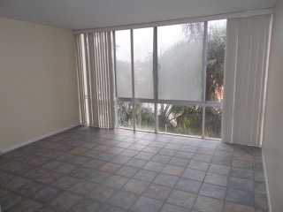 Photo 13: PACIFIC BEACH Condo for sale : 2 bedrooms : 4944 CASS STREET #504 in San Diego