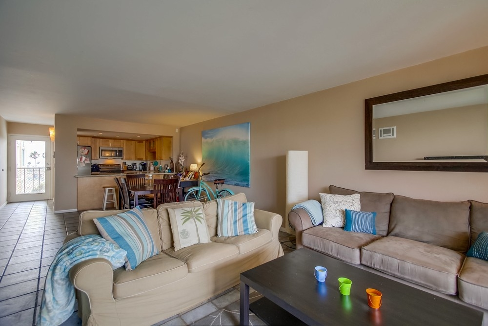 Photo 11: PACIFIC BEACH Condo for sale : 2 bedrooms : 4944 CASS STREET #504 in San Diego