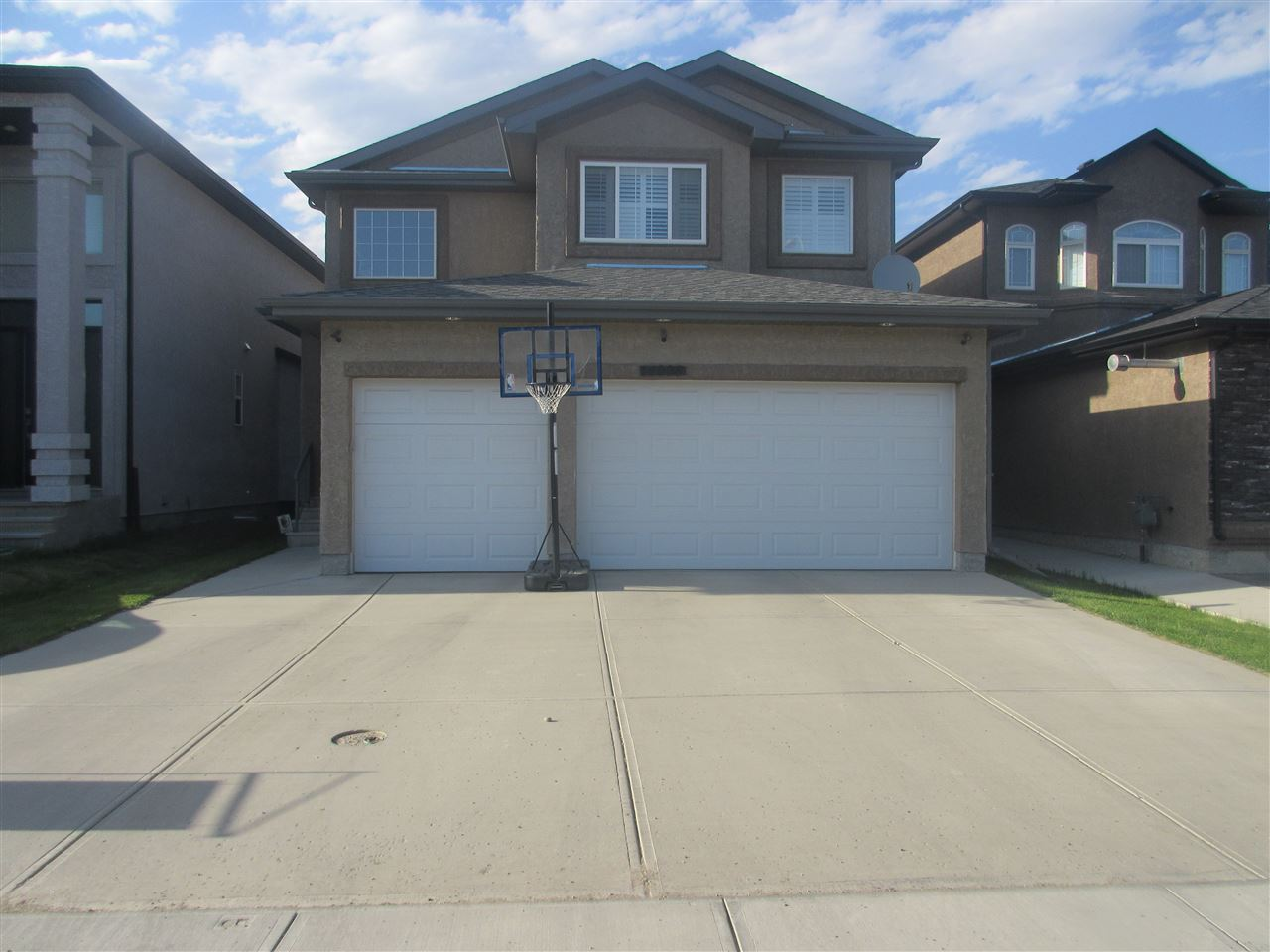 Main Photo: 14008 161 Avenue in Edmonton: Zone 27 House for sale : MLS® # E4056293