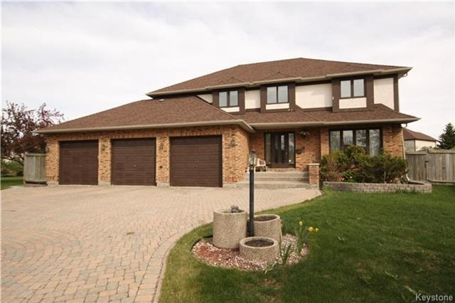 Main Photo: 43 East Springs Cove in Winnipeg: Algonquin Estates Residential for sale (3H)  : MLS®# 1706572