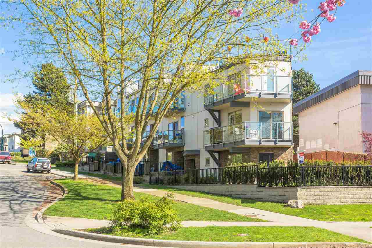 "Photo 1: 2110 ETON Street in Vancouver: Hastings Townhouse for sale in ""ETON CREST"" (Vancouver East)  : MLS® # R2161026"