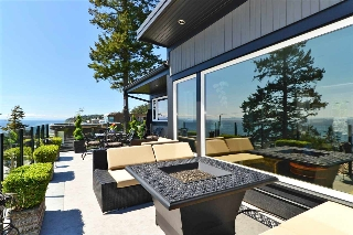 "Main Photo: 1259 EVERALL Street: White Rock House for sale in ""White Rock Hillside West"" (South Surrey White Rock)  : MLS(r) # R2168684"