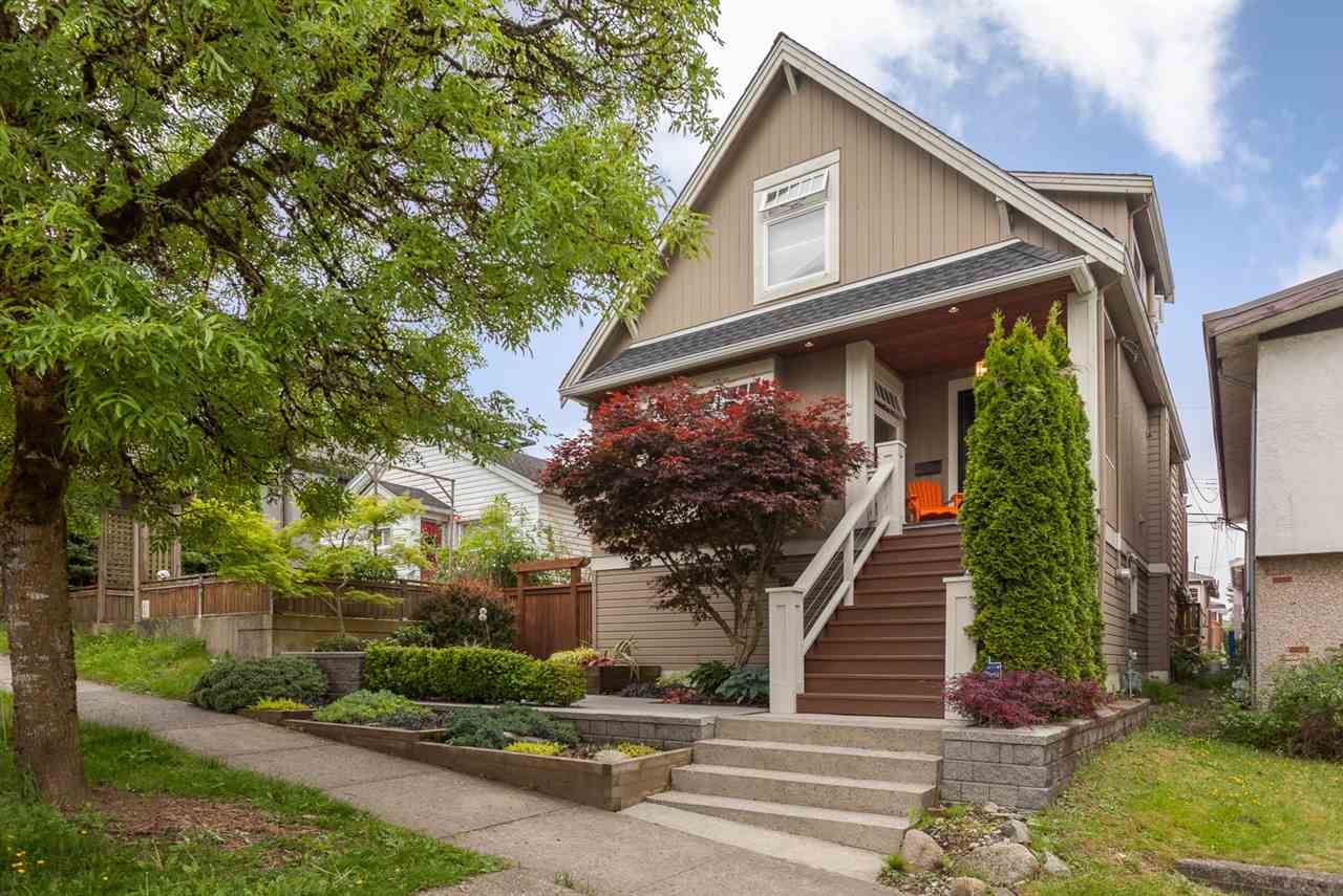 "Main Photo: 5187 CULLODEN Street in Vancouver: Knight House for sale in ""FRASER CORRIDOR"" (Vancouver East)  : MLS® # R2173548"