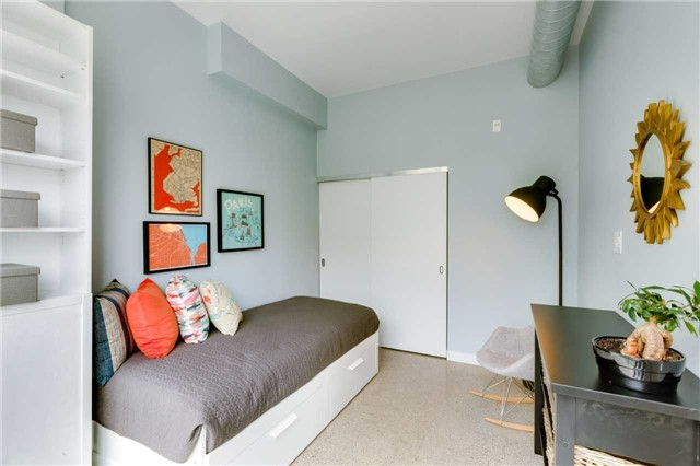 Photo 7: 510 King St E Unit #409 in Toronto: Moss Park Condo for sale (Toronto C08)  : MLS® # C3840307