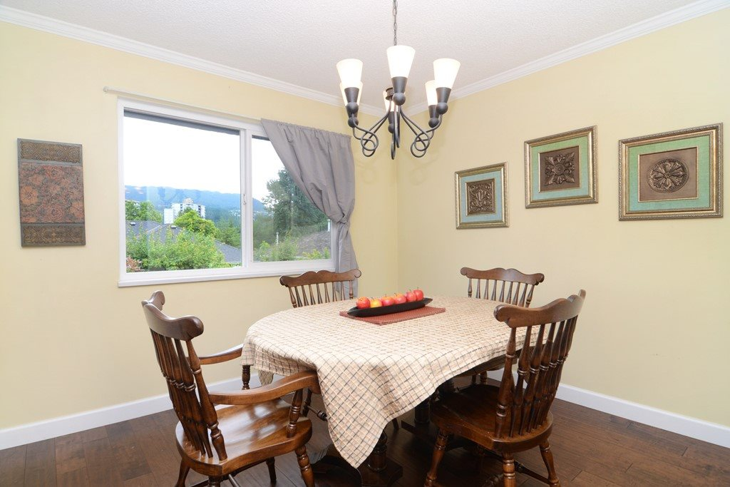 Photo 4: 3213 PINDA Drive in Port Moody: Port Moody Centre House for sale : MLS(r) # R2180092