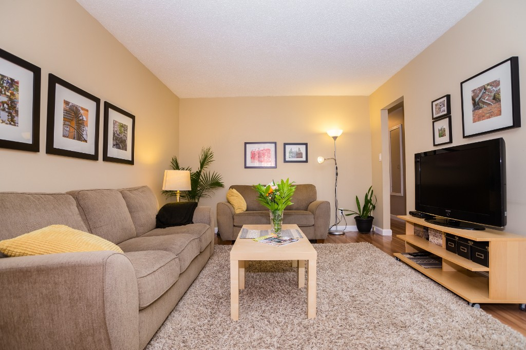 Photo 2: 533 Vanier Crescent in Saskatoon: Pacific Heights Residential for sale : MLS® # SK700108