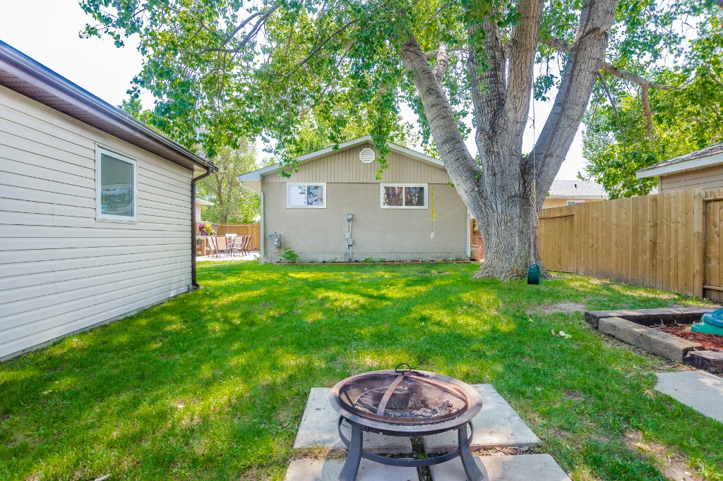 Photo 42: 533 Vanier Crescent in Saskatoon: Pacific Heights Residential for sale : MLS® # SK700108