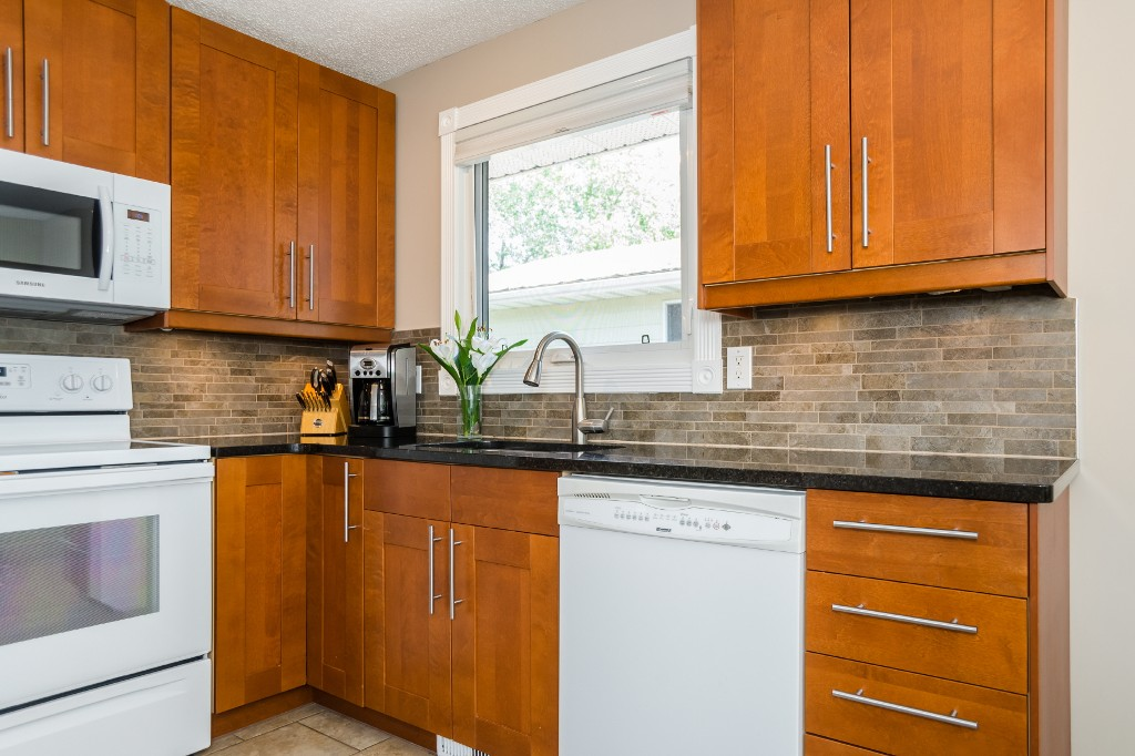Photo 10: 533 Vanier Crescent in Saskatoon: Pacific Heights Residential for sale : MLS® # SK700108