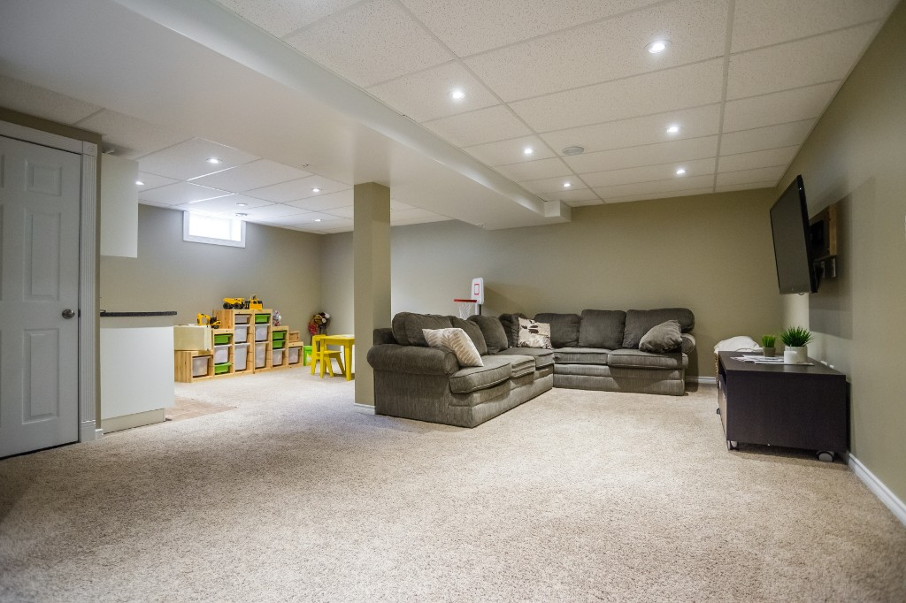 Photo 23: 533 Vanier Crescent in Saskatoon: Pacific Heights Residential for sale : MLS® # SK700108