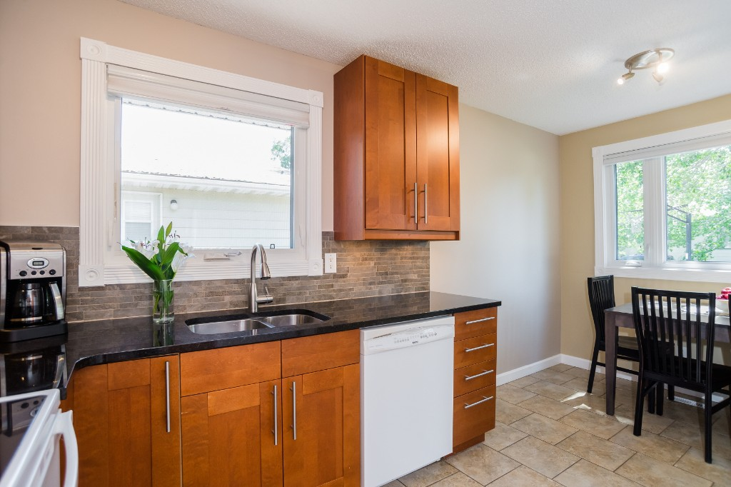 Photo 14: 533 Vanier Crescent in Saskatoon: Pacific Heights Residential for sale : MLS® # SK700108