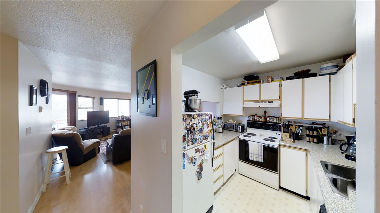 Main Photo: 202 918 RODERICK Avenue in Coquitlam: Maillardville Condo for sale : MLS(r) # R2191467