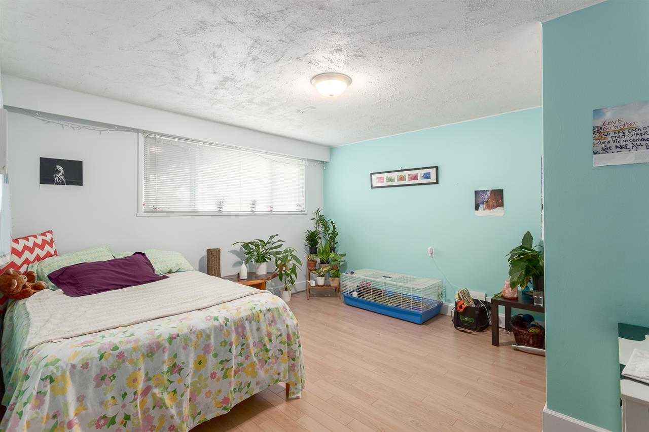 Photo 11: 1020 E 53RD Avenue in Vancouver: South Vancouver House for sale (Vancouver East)  : MLS® # R2205005