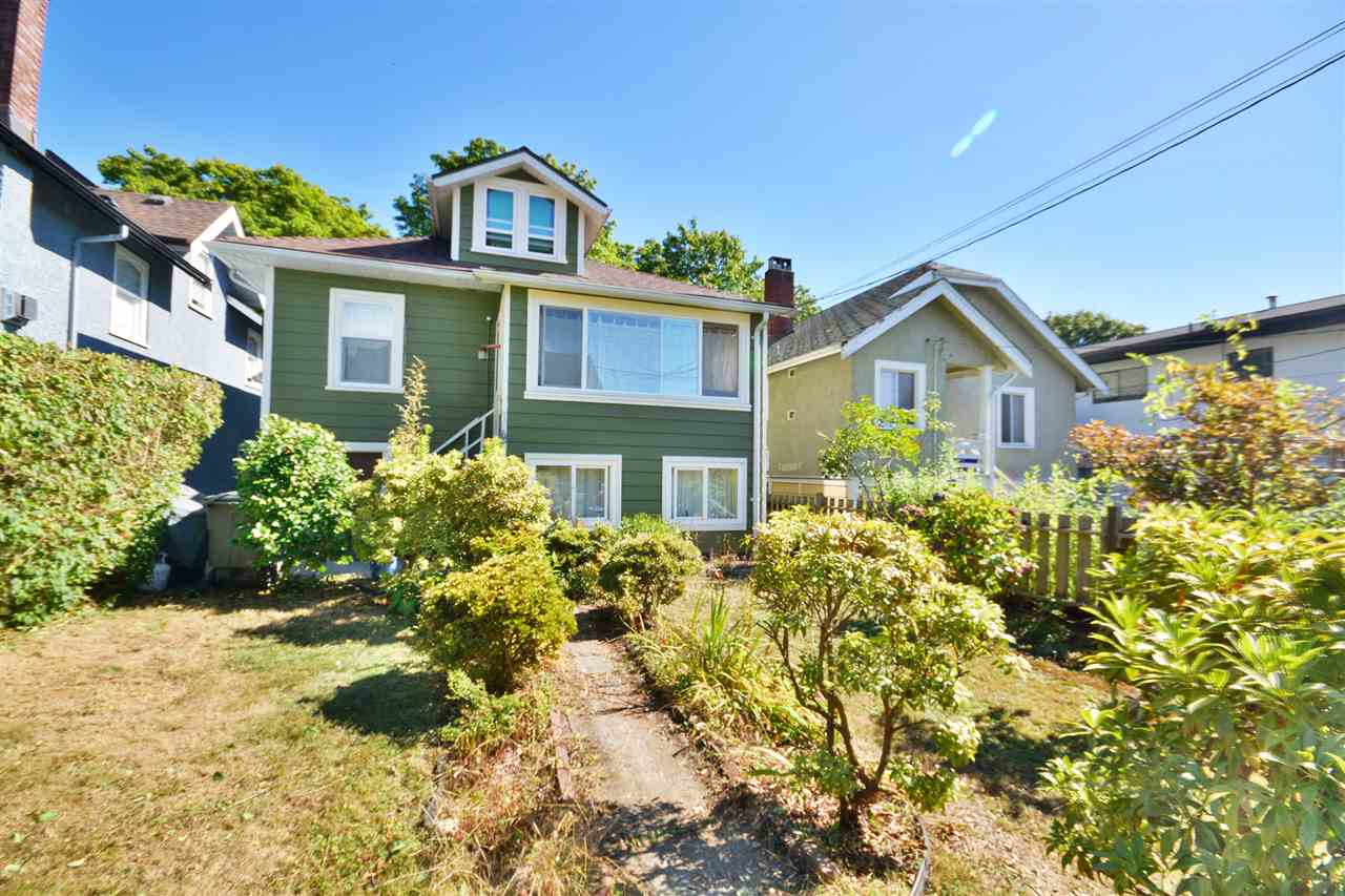 Photo 15: 515 SKEENA Street in Vancouver: Renfrew VE House for sale (Vancouver East)  : MLS® # R2205216