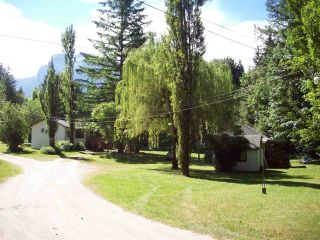 Main Photo: 22200 TRANS CANADA Highway in Hope: Hope Center House for sale : MLS® # R2221563