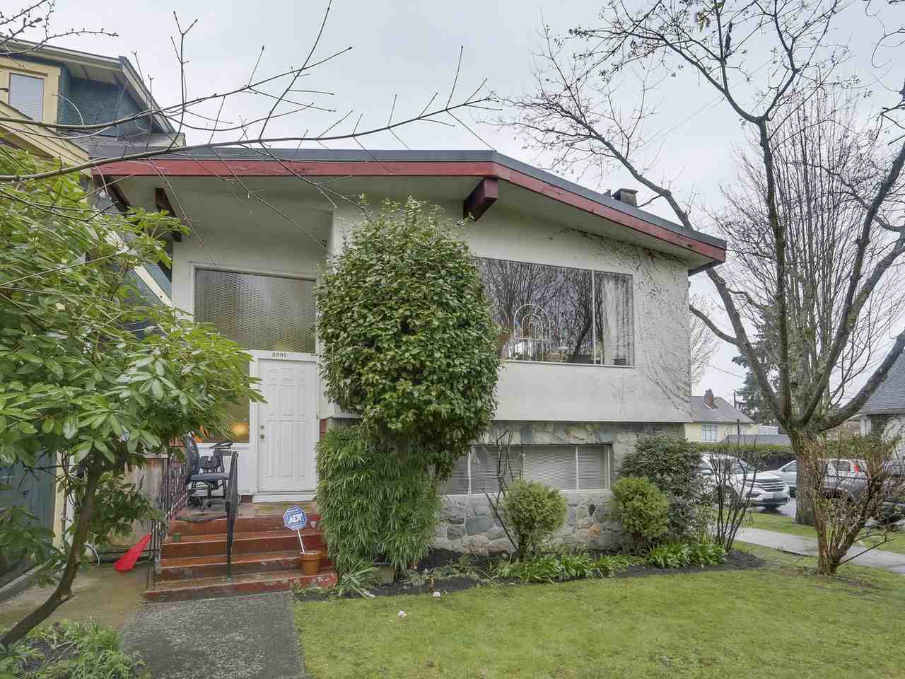 "Main Photo: 3901 TUPPER Street in Vancouver: Cambie House for sale in ""Douglas Park"" (Vancouver West)  : MLS®# R2256298"
