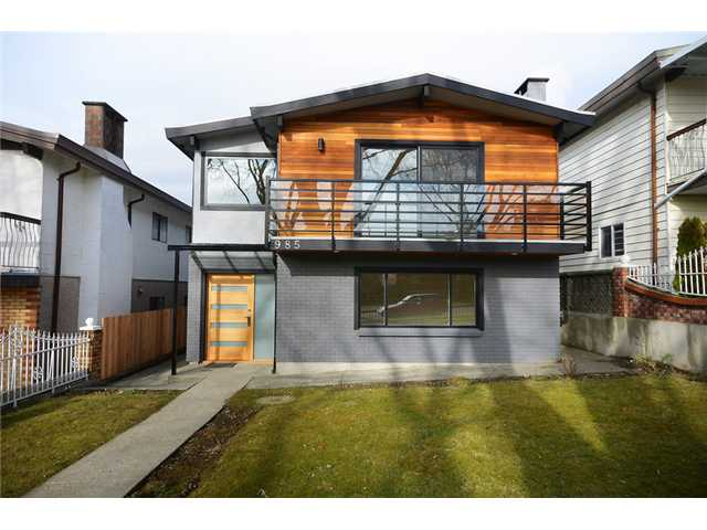 "Main Photo: 985 E 38TH Avenue in Vancouver: Fraser VE House for sale in ""FRASER"" (Vancouver East)  : MLS(r) # V1048813"