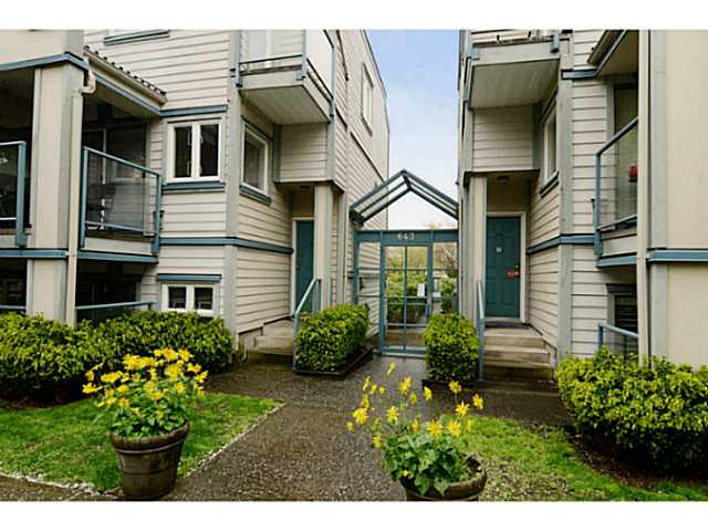 "Main Photo: 213 643 W 7TH Avenue in Vancouver: Fairview VW Townhouse for sale in ""THE COURTYARDS"" (Vancouver West)  : MLS®# V1059098"