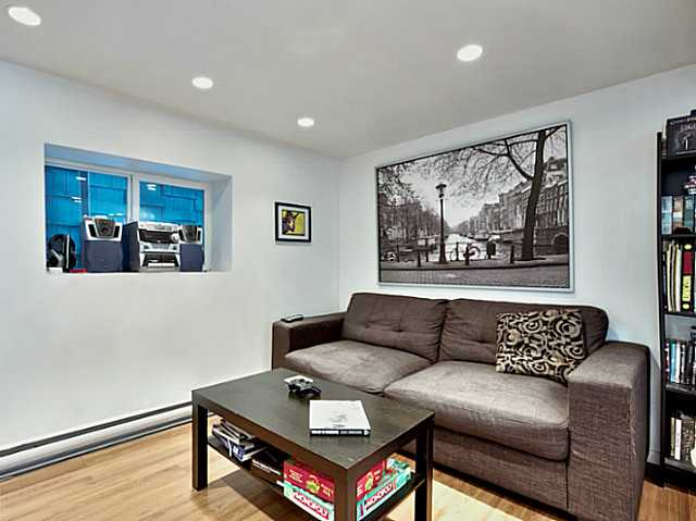 Photo 3: 1421 COTTON Drive in Vancouver: Grandview VE House for sale (Vancouver East)  : MLS® # V1109683