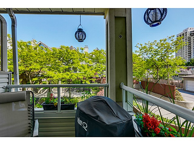 "Photo 9: 212 3628 RAE Avenue in Vancouver: Collingwood VE Condo for sale in ""RAINTREE GARDENS"" (Vancouver East)  : MLS(r) # V1124782"