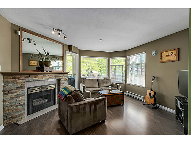 "Photo 2: 212 3628 RAE Avenue in Vancouver: Collingwood VE Condo for sale in ""RAINTREE GARDENS"" (Vancouver East)  : MLS(r) # V1124782"