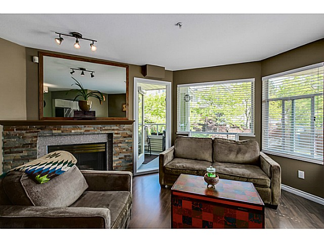 "Photo 3: 212 3628 RAE Avenue in Vancouver: Collingwood VE Condo for sale in ""RAINTREE GARDENS"" (Vancouver East)  : MLS(r) # V1124782"