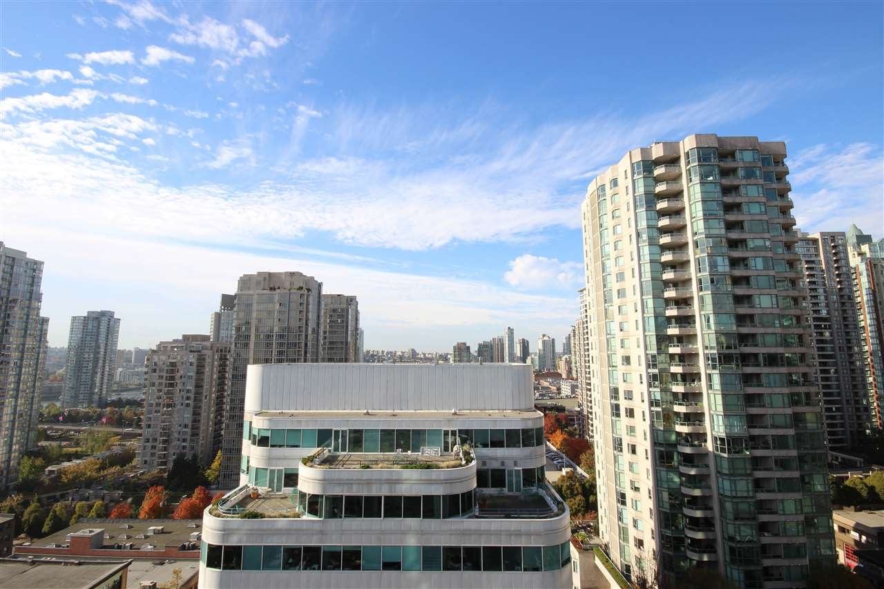 "Photo 14: 1408 821 CAMBIE Street in Vancouver: Downtown VW Condo for sale in ""RAFFLES"" (Vancouver West)  : MLS® # R2005623"