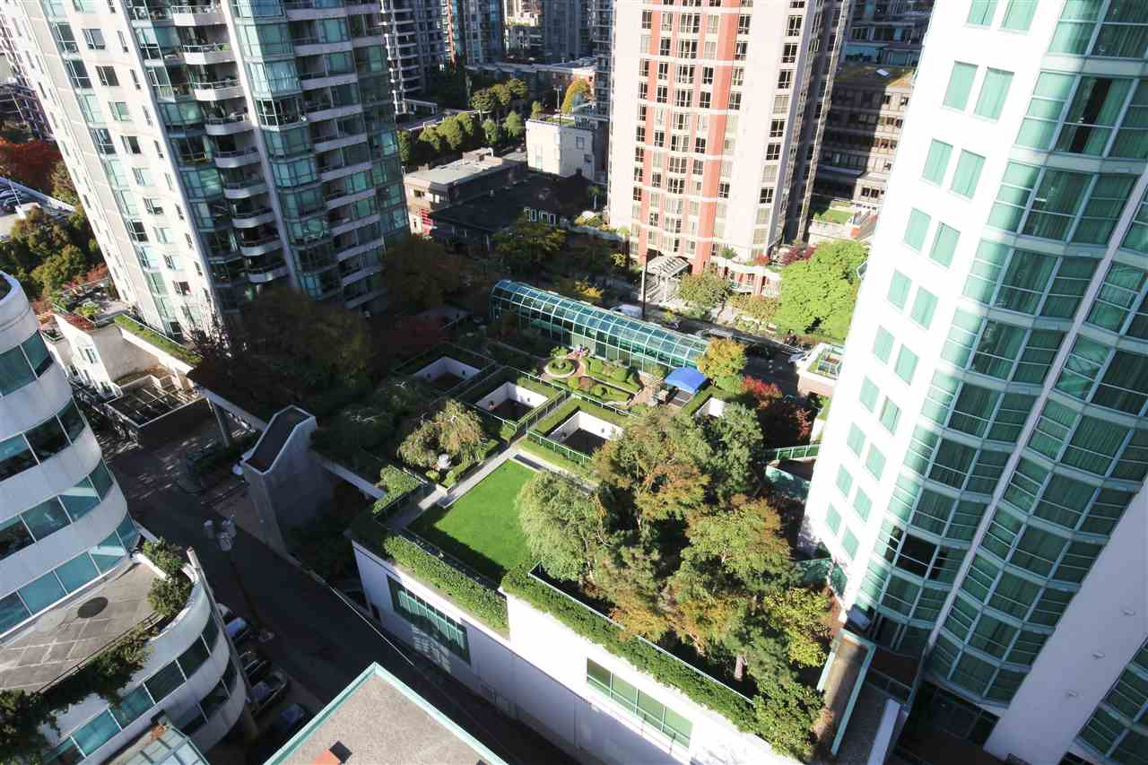 "Photo 15: 1408 821 CAMBIE Street in Vancouver: Downtown VW Condo for sale in ""RAFFLES"" (Vancouver West)  : MLS® # R2005623"