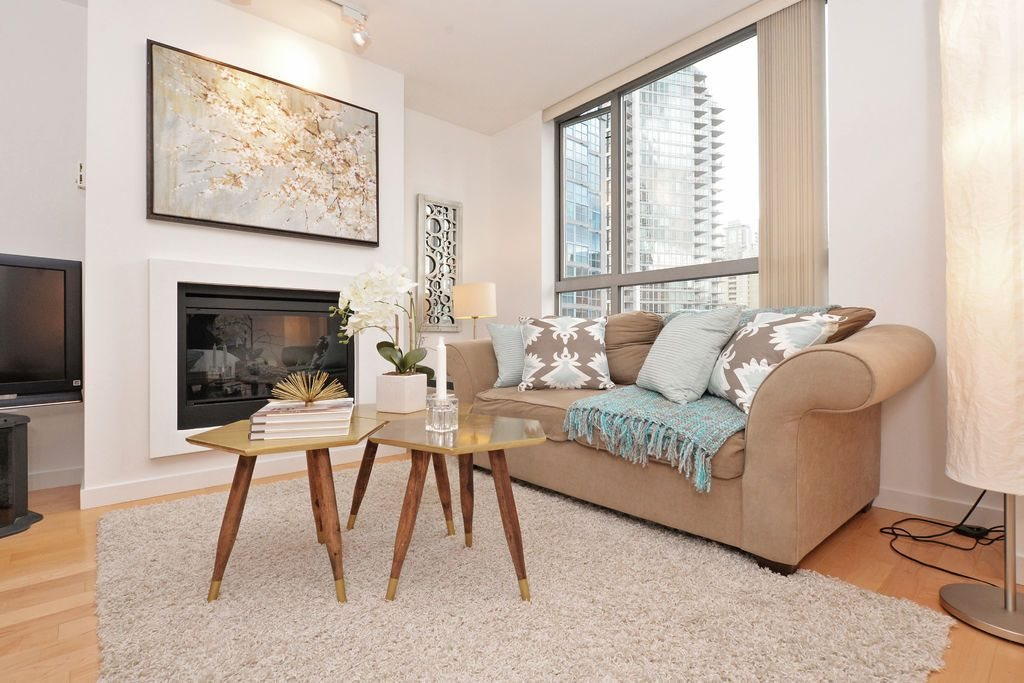 "Main Photo: 909 1225 RICHARDS Street in Vancouver: Downtown VW Condo for sale in ""EDEN"" (Vancouver West)  : MLS® # R2042711"