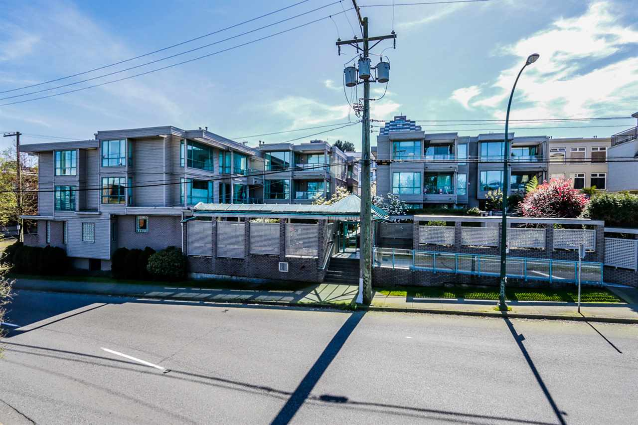 "Main Photo: 201 1318 W 6TH Avenue in Vancouver: Fairview VW Condo for sale in ""BIRCH GARDENS"" (Vancouver West)  : MLS(r) # R2052366"