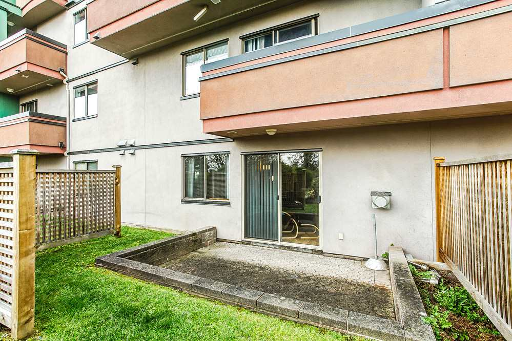"Photo 12: 103 12025 207A Street in Maple Ridge: Northwest Maple Ridge Condo for sale in ""ATRIUM"" : MLS® # R2057622"