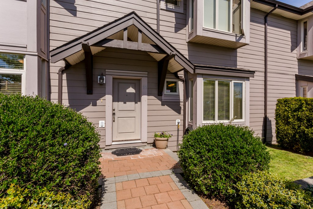 "Photo 34: 27 19219 67 Avenue in Surrey: Clayton Townhouse for sale in ""Balmoral"" (Cloverdale)  : MLS® # R2059751"