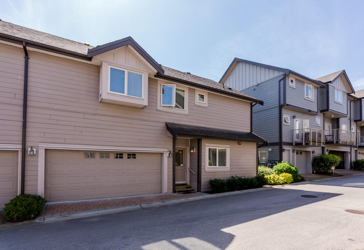 "Photo 32: 27 19219 67 Avenue in Surrey: Clayton Townhouse for sale in ""Balmoral"" (Cloverdale)  : MLS® # R2059751"