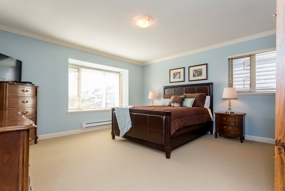 "Photo 15: 27 19219 67 Avenue in Surrey: Clayton Townhouse for sale in ""Balmoral"" (Cloverdale)  : MLS® # R2059751"