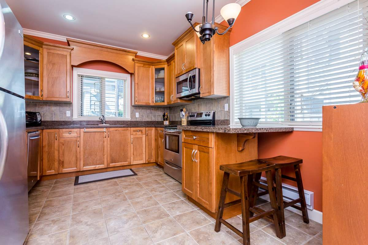 "Photo 7: 27 19219 67 Avenue in Surrey: Clayton Townhouse for sale in ""Balmoral"" (Cloverdale)  : MLS® # R2059751"