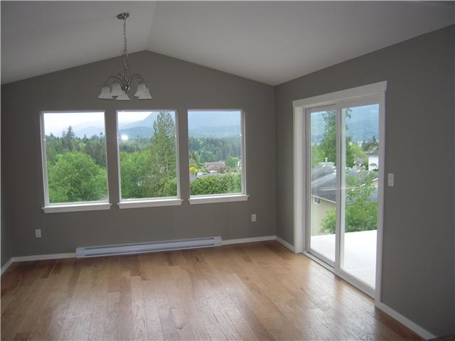 Photo 2: Photos: 5835 TRAIL Avenue in Sechelt: Sechelt District House for sale (Sunshine Coast)  : MLS®# R2060516