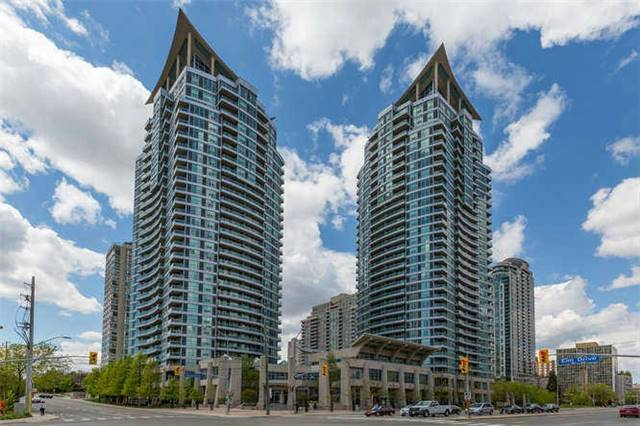 Main Photo: 2209 1 Elm Drive in Mississauga: City Centre Condo for lease : MLS® # W3501142