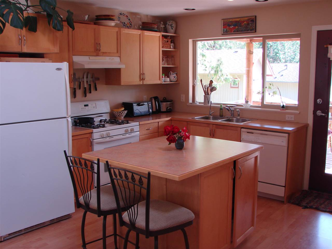 "Photo 2: Photos: 13 1131 EMERY Road: Roberts Creek House for sale in ""C0-HOUSING"" (Sunshine Coast)  : MLS®# R2092912"