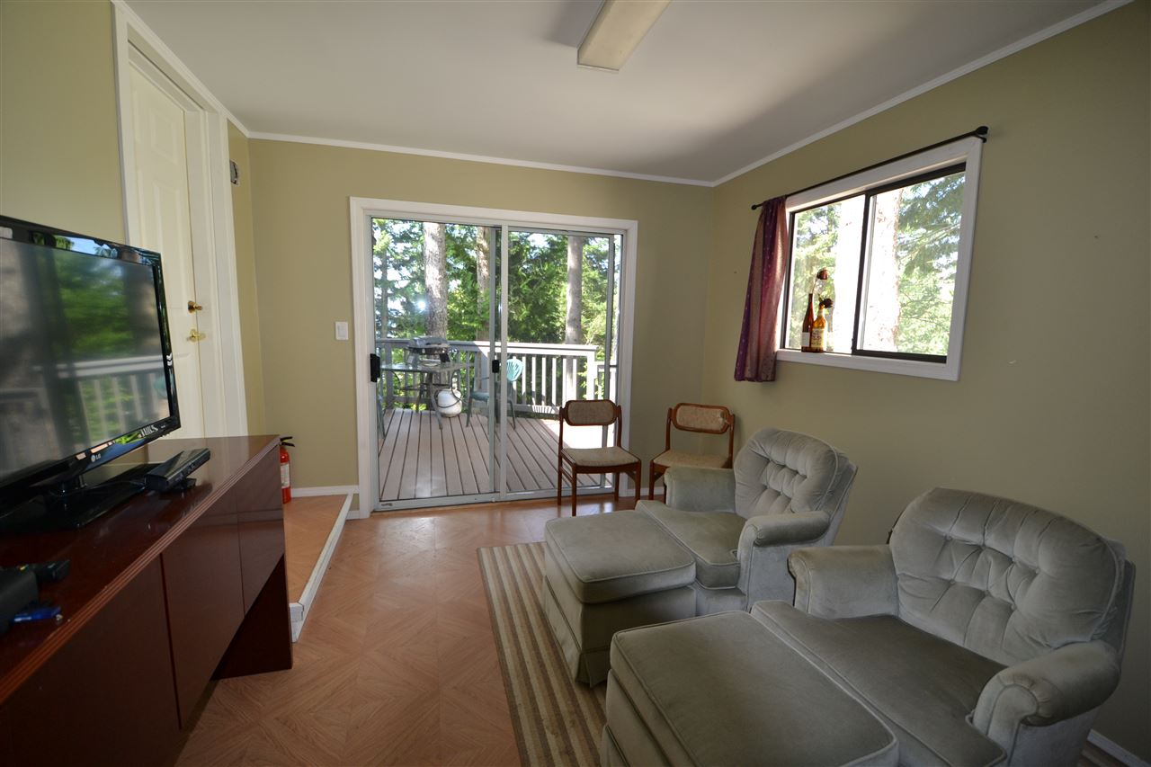 Photo 3: Photos: 21 5288 SELMA PARK Road in Sechelt: Sechelt District Manufactured Home for sale (Sunshine Coast)  : MLS®# R2096137
