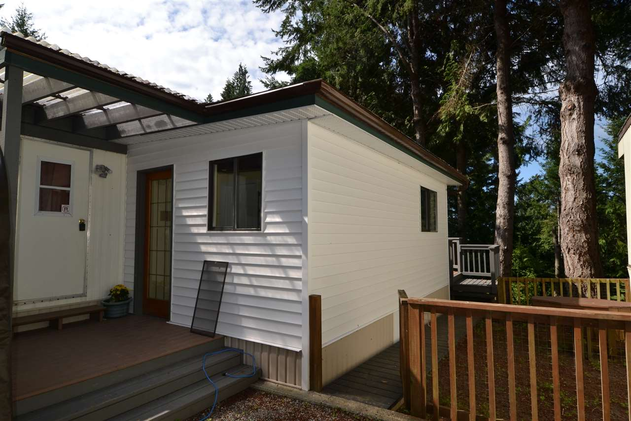 Photo 2: Photos: 21 5288 SELMA PARK Road in Sechelt: Sechelt District Manufactured Home for sale (Sunshine Coast)  : MLS®# R2096137