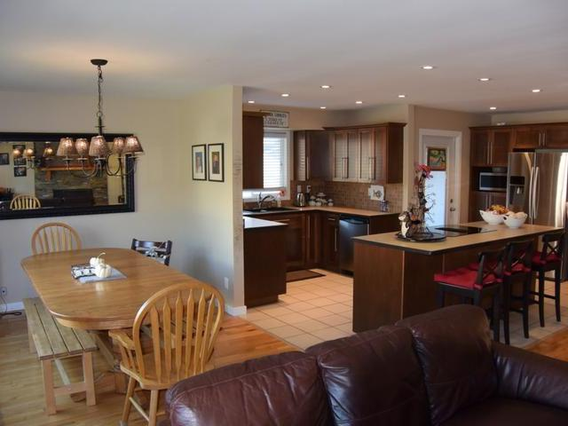 Photo 11: Photos: 6745 MCIVER PLACE in : Dallas House for sale (Kamloops)  : MLS® # 137588