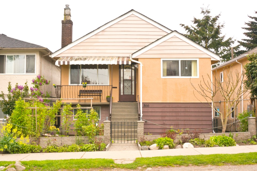 Main Photo: 866 GARDEN Drive in Vancouver: Hastings House for sale (Vancouver East)  : MLS(r) # R2164078