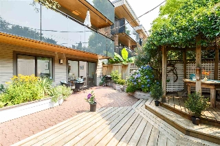 "Main Photo: 109 2416 W 3RD Avenue in Vancouver: Kitsilano Condo for sale in ""LANDMARK REEF"" (Vancouver West)  : MLS® # R2194686"