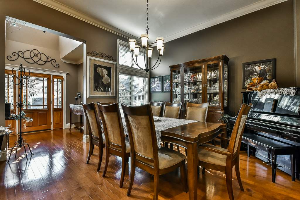 "Photo 5: Photos: 35535 JADE Drive in Abbotsford: Abbotsford East House for sale in ""Eagle Mountain"" : MLS® # R2218433"