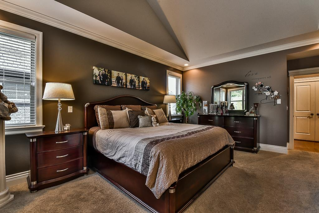 "Photo 12: Photos: 35535 JADE Drive in Abbotsford: Abbotsford East House for sale in ""Eagle Mountain"" : MLS® # R2218433"