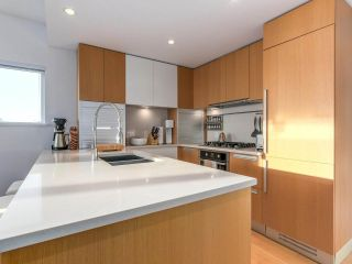 "Main Photo: 709 288 W 1ST Avenue in Vancouver: False Creek Condo for sale in ""JAMES"" (Vancouver West)  : MLS® # R2227091"