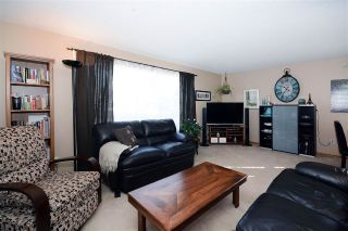 Main Photo: 7219 141 Avenue NW in Edmonton: Zone 02 House for sale : MLS® # E4101168