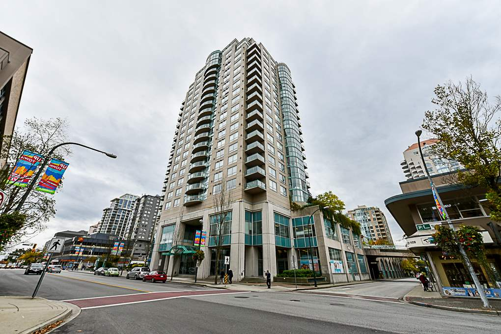 "Main Photo: 1103 612 SIXTH Street in New Westminster: Uptown NW Condo for sale in ""THE WOODWARD"" : MLS®# R2313375"
