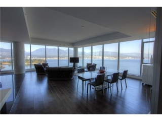 Main Photo: 2202 277 THURLOW Street in Vancouver: Coal Harbour Condo for sale (Vancouver West)  : MLS®# V972419