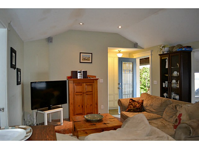 Photo 12: Photos: 5380 SINKU Road in Sechelt: Sechelt District House for sale (Sunshine Coast)  : MLS® # V1111951