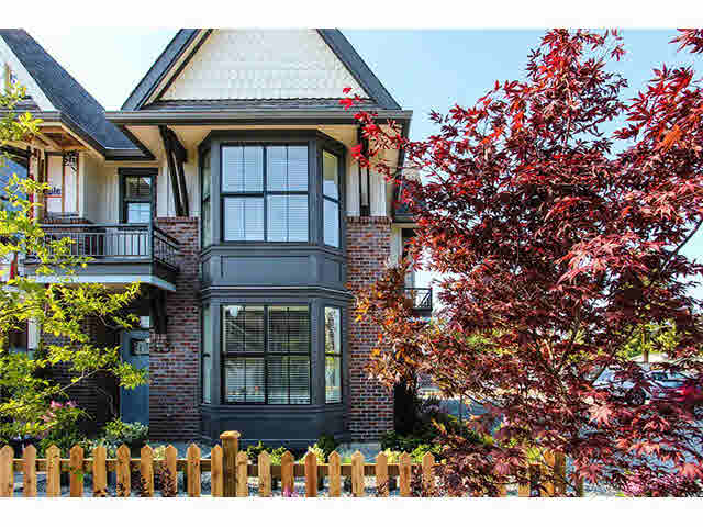 "Main Photo: 33 33460 LYNN Avenue in Abbotsford: Central Abbotsford Townhouse for sale in ""ASTON ROW"" : MLS®# F1440584"